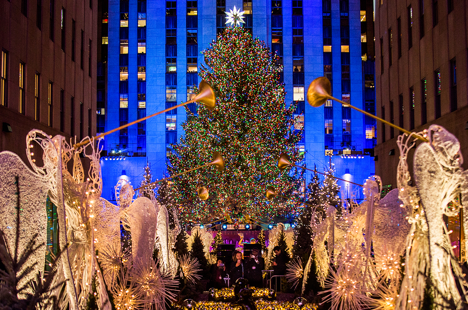 Rockefeller-Center-Christmas-Tree-2017-billboard-1548